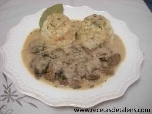 ternera-con-salsa-de-cebolla_